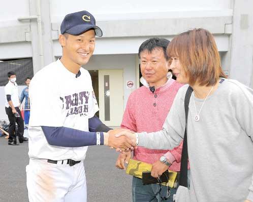 吉川 尚輝(母・陽子さん、父・好さん)